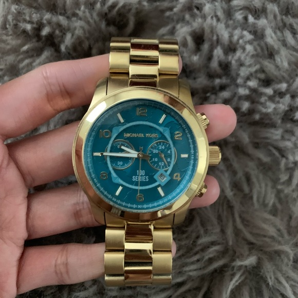 Michael Kors Accessories - Limited edition Hunger watch,Michael kors!